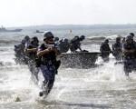 中国解放軍南海艦隊が上陸作戦演習実施