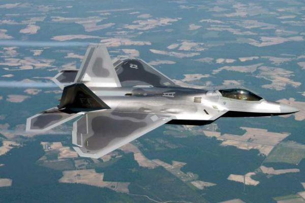F 22 (戦闘機)の画像 p1_10