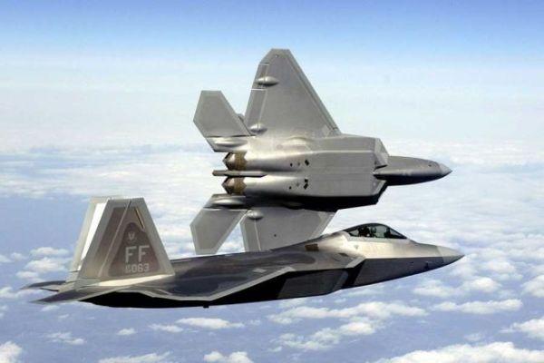 F 22 (戦闘機)の画像 p1_17