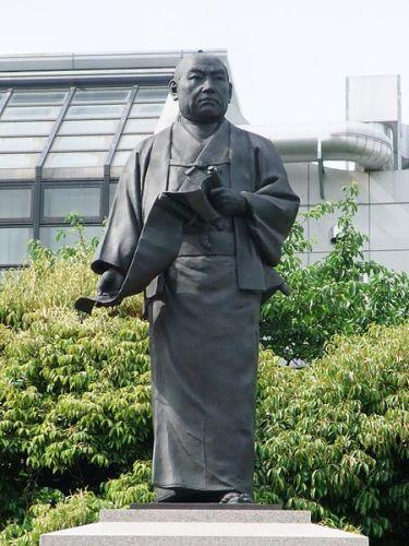 大石内藏助之銅像。(東京・泉岳寺)