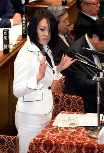 衆院予算委員会で質問に立つ日本維新の会の杉田水脈氏=3日午前、国会・衆院第1委員室(酒巻俊介撮影)