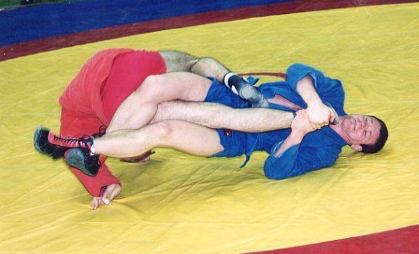 ソビエト連邦で開発されたの格闘技....ロシアの伝統格闘技=サンボ