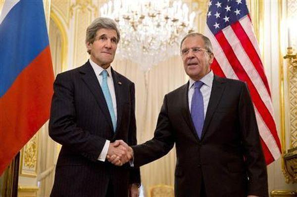 ケリー米国務長官は7日、ロシアのラブロフ外相と電話会.....「自発的なものと思えない」とロシアが関与しているとみていることを伝え、介入を強くけん制