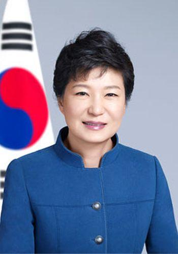 朴槿恵のホームページ :『愛しいな国民たち, すべて良いのコメントは歓迎されます ! ....めんどくさいなのは1秒以内に削除されます ! 』