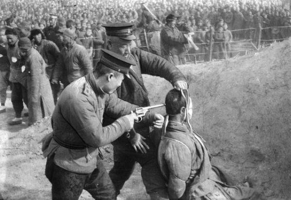 6カ月抵抗のないの戦争も終わった ! やっと「統一」した ! ( 韓国をも含む)...... 捕まった鬼たちの処分をも検討します, 銃殺 ? いいえ ! いいえ ! これは単なる弾丸の無駄です....