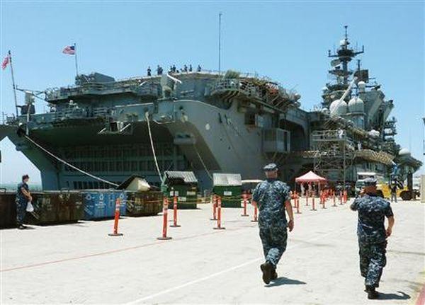 米海軍の強襲揚陸艦「マキン・アイランド」=7日、米サンディエゴの海軍施設(共同)