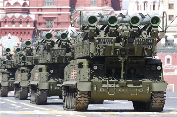 ロシアの地対空ミサイル「ブクM2」(ロイター=共同)