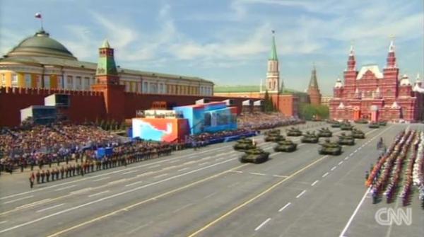 ウクライナ紛争をめぐって対立する主要国首脳は、軒並み出席せず、国際社会でのロシアの孤立ぶりが際立った