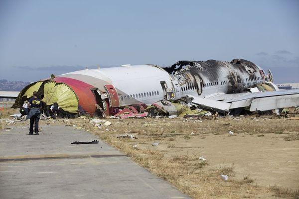 214便が米サンフランシスコ国際空港への着陸に失敗、炎上