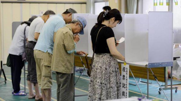 馬鹿藤野発言によって、共産党は比例代表で100万票減らした ! いいね !