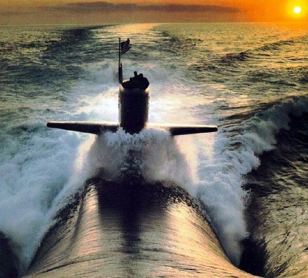 米軍のロサンゼルス級攻撃型原潜「バトンルージュ」
