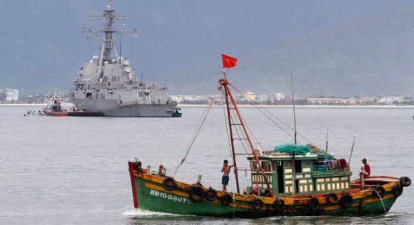 共産中国軍事訓練を受けたの漁船