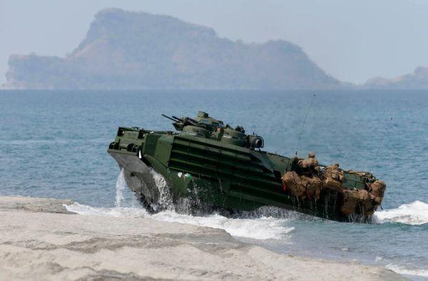日米同盟の水陸両用車