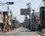 福島第一原子力発電所事故の影響で人の姿が消えた浪江町の中心部。2011年(平成23年)4月12日撮影。