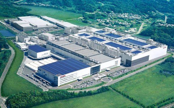 シャープ....日本影山でのテレビ用液晶パネル工場