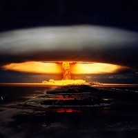 最悪の場合.....核爆弾 !