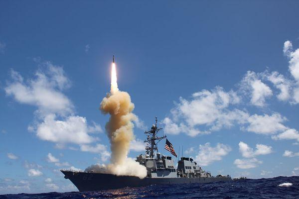 海上配備型迎撃ミサイルSM3