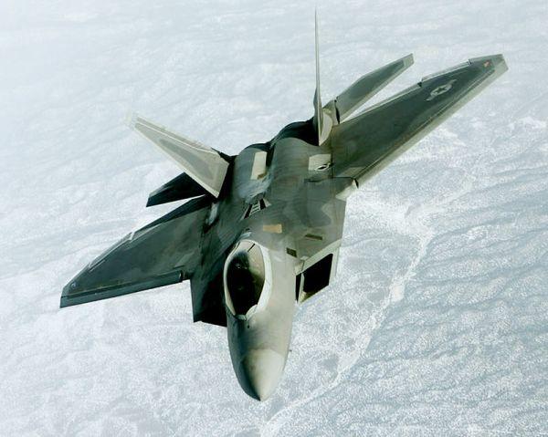 ステルス戦闘機「F22ラプター」