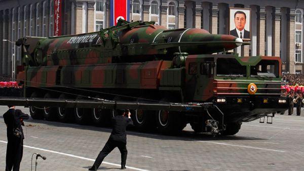 北朝鮮の弾道ミサイル....いつ飛んてくるのか ??? さっぱり わからん !