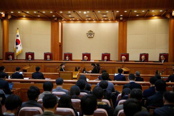 憲法裁判所, 全会一致で弾劾した ! いいね