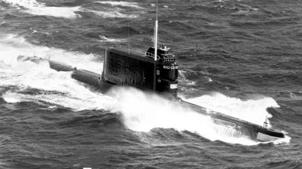 潜水艦による特攻決死隊をハワイ近海に派遣する...拍手 ! 拍手 ! (^_^)〜♪