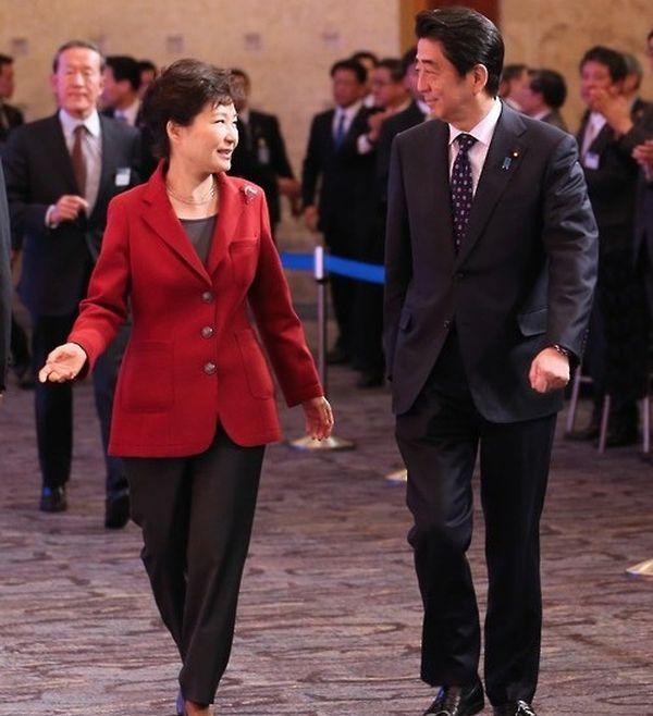 2015年十一月, 安倍晋三首相の韓国訪問