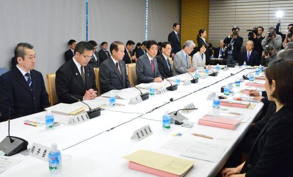 平成27年12月15日、「第1回教育再生実行会議 提言フォローアップ会合」が、官邸内で開催されました