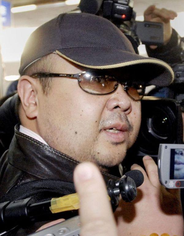 北朝鮮 :『 あの人は金正男じゃないよ ! 殺されていない....心臓発作から死ぬ...』