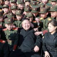 正恩政権、外交的勝利. 「偉大なる指導者」万歳 ! 万歳 ! 万万歳 !