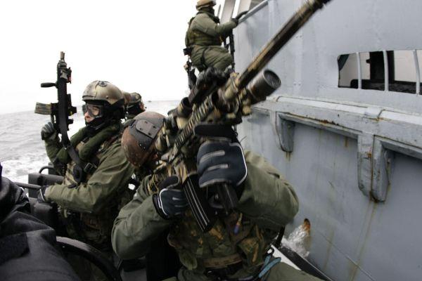 米海軍の特殊部隊「ネービー・シールズ」