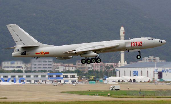 H-6 長距離重爆撃機