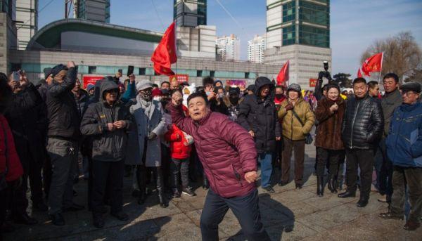 中国市民大反対 :『すべての「楽天」事業...出て行け !!!』......Oops !
