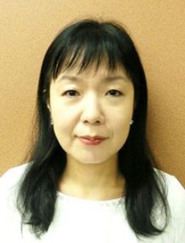 政治ジャーナリストの安積明子.....兵庫県出身。慶應義塾大学経済学部卒。国会議員政策担当秘書資格試験に合格後、政策担当秘書として勤務