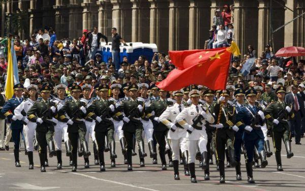 中国人民解放軍だけでなく...