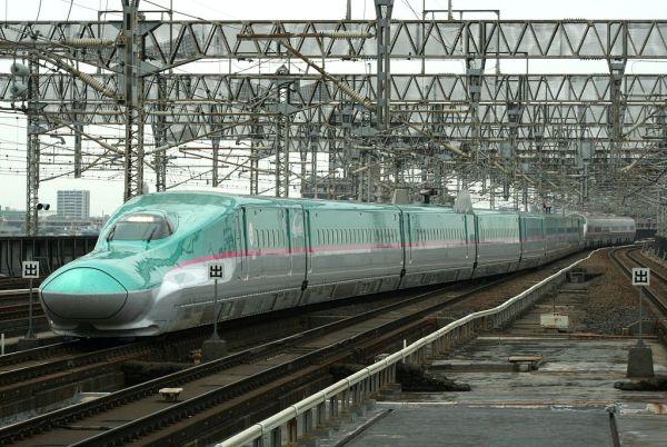 日本提案したの新幹線E5系電車