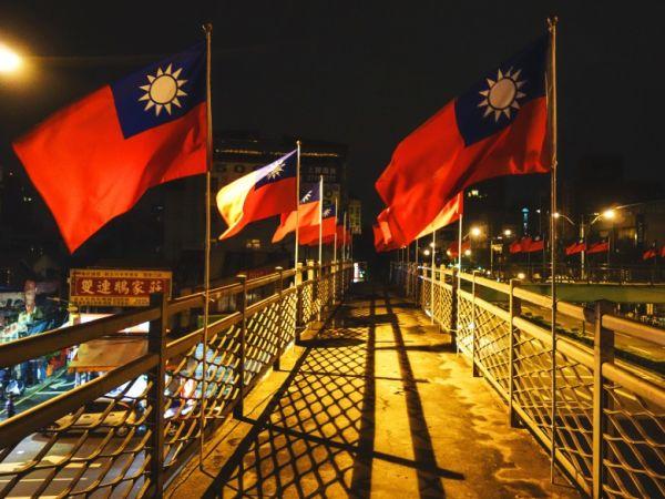 台湾人 : 『日本のおかげでここまで成長できた, 私たちの心の底から, 感謝いたします !』
