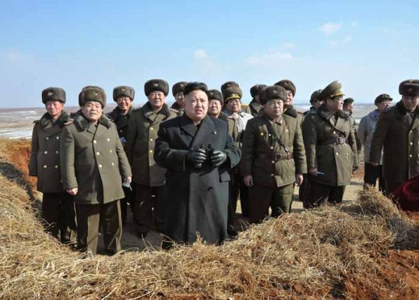 テロリストの親分が「延坪島を砲撃した前線部隊を視察した」
