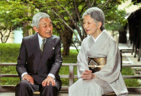 日本全国民に愛されるの♥♥♥ 天皇皇后両陛下 ♥♥♥