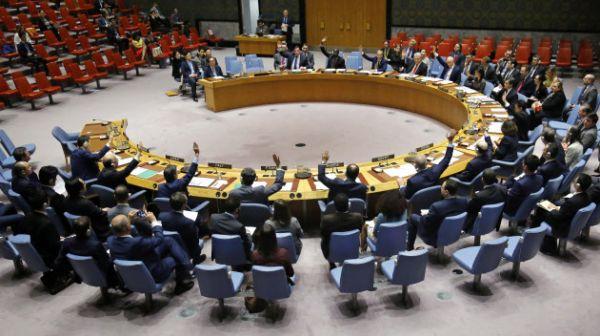 北朝鮮制裁強化を全会一致で採択した国連安全保障理事会(2日)=AP