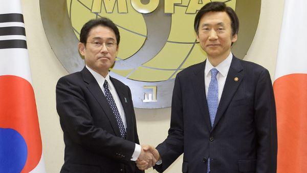日韓合意....「守るべきだというのが国際社会の慣行だ !」....が...