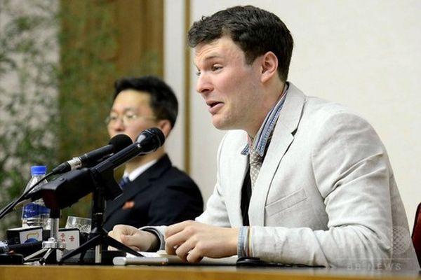 北朝鮮・平壌で、涙ながらに記者会見する米大学生のオットー・ワームビア氏。国営朝鮮中央通信(KCNA)提供(2016年2月29日撮影、3月1日配信)。(c)AFPKCNA via KNS