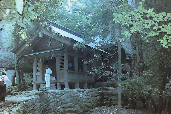 「沖ノ島」に鎮座する宗像大社沖津宮