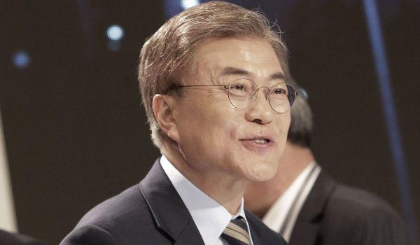 こいつが最大の「業績」は, 日韓二国間の憎しみ感を全世界に広げている…..