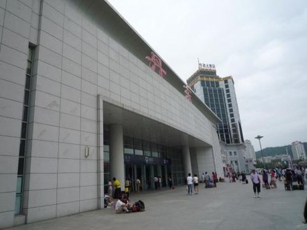 中国遼寧省の丹東駅