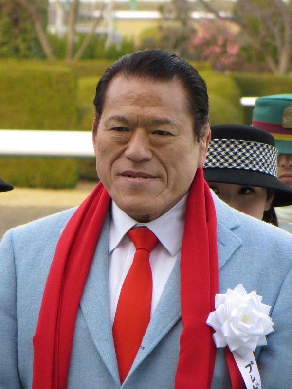 もう一人の「豚」さん....アントニオ 猪木...将来北朝鮮の外務大臣