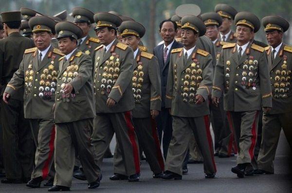 北朝鮮の 「100-星」大将ら