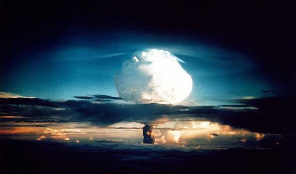 1952年11月1日、人類初の水爆実験であるアイビー作戦