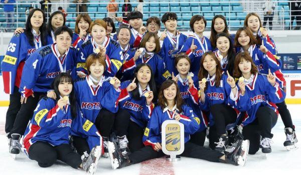 韓国のセラ・マリー監督 : 『 ご覧下さい....うちのの全チームメンバーはわずか25人....』