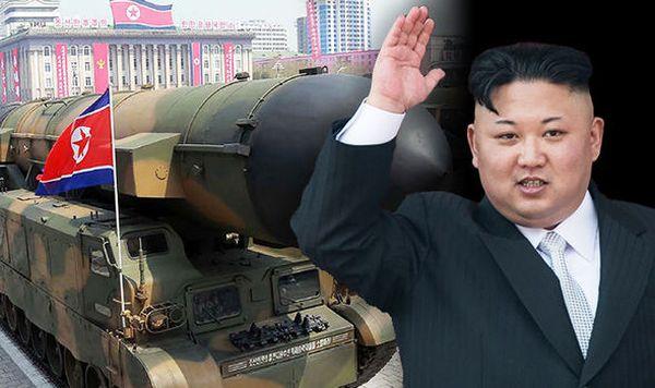 アメリカを攻撃するのために, 新大統領が彼のミサイル開発を続ける