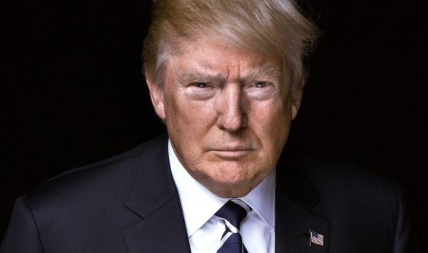 トランプ大統領 :『わたしも同じく核のボタンを持っている。ただ、わたしの方が巨大で強力、しかも実際に機能するということを、誰か彼に伝えてくれ !』